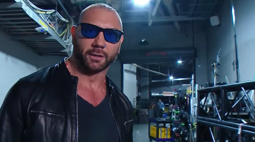 Photo of 5 Possible Reasons Batista Attacked Ric Flair on Raw