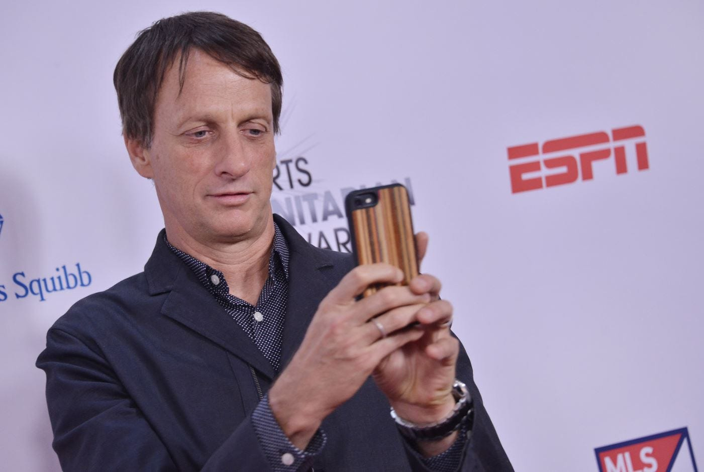 Photo of Tony Hawk Slid Into People's DMs to Announce Pro Skater Remasters [UPDATE]