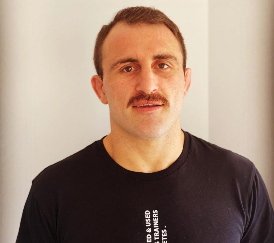 alex volkanovski mustache pic