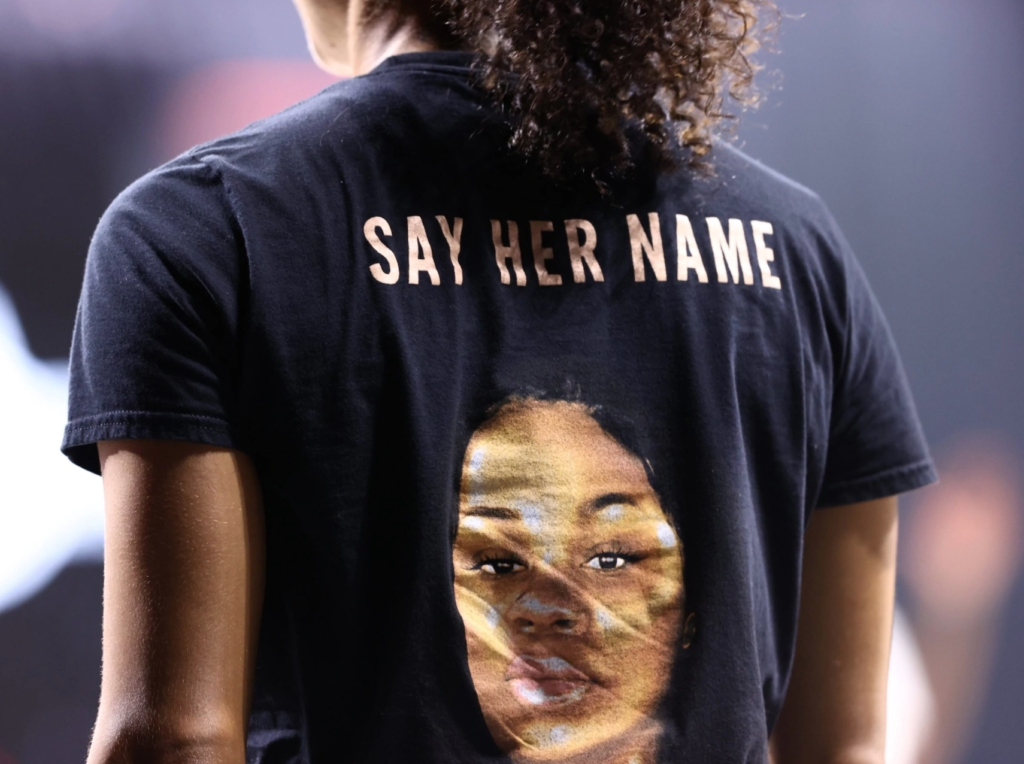 wnba say her name shirt