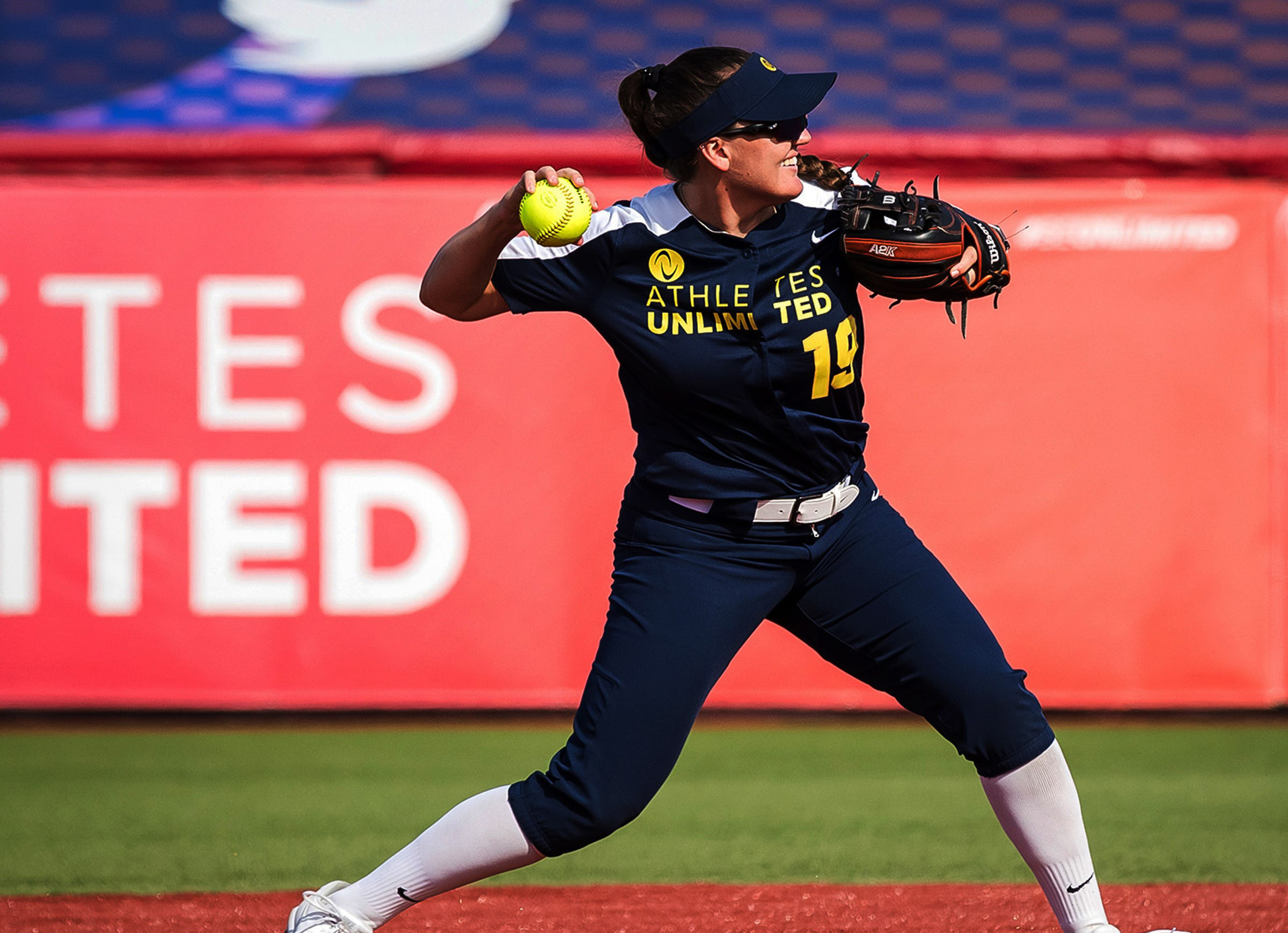 athletes unlimited softball throwing wide